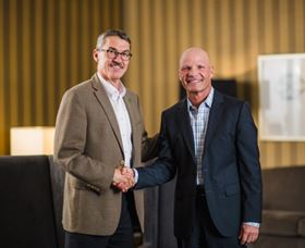 Alfred Weber, president and CEO of the Mann+Hummel Group (left) with Keith Wilson, CEO and president of the Affinia Group.