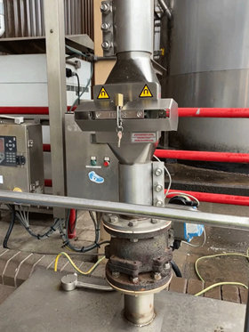 The Pneumag unit removes ferrous and paramagnetic contamination effectively from pneumatic process lines.