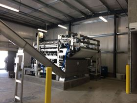 The customized belt press system combines a gravity drainage zone, a squeezing zone, and high-pressure shear zone.