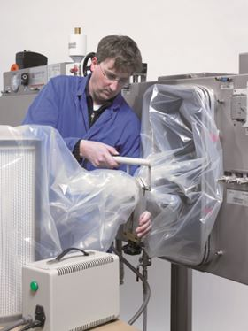 Sealing and cutting during safe change with HSD classic device.