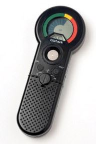 The Oilcheck handheld unit for oil samples.