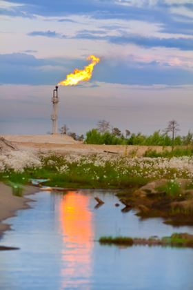 At present, fresh oil and gas fuel resources are being discovered at rates sufficient to allow for global fuel consumption at a growing rate.
