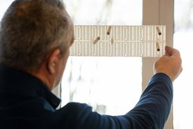 Dexwet Wet Air Filter's patented staggered rod system captures particles and allows clean air to flow through.