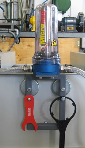 Kleenoil installed an Eclipse Magnetics' Micromag high-performance filtration system inline before the machine's pump to minimise the number of ferrous particles contacting the grinding wheel.