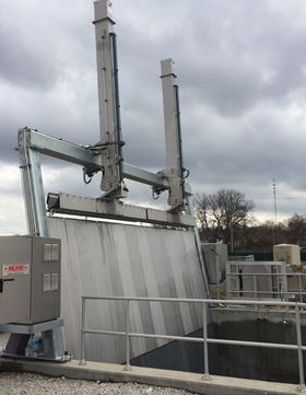 At the City of Washington's WWTP, the system features a double 12 ft-wide telescoping design to rapidly remove the anticipated debris from storm events.