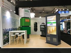 The Mann+Hummel stand at the recent Smart City Expo World Congress, where the digital screen with integrated filter made its debut.