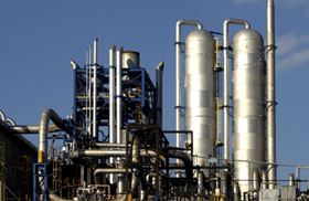 Oil refineries employ a wide range of filtration and sedimentation equipment.