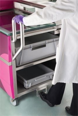 Figure3. The ergonomic design of the Mobius FlexReady Solutions makes the systems easy to move where they are needed.
