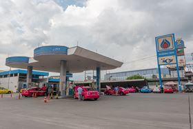 In Thailand LPG pump NGV alternative energy is being used by car drivers. (image: Chalermphon Srisang/Shutterstock)