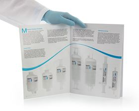 The brochure highlights advantages of each capsule filter and lists typical manufacturing applications.
