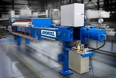Andritz's SP series of filter presses has a dual control system consisting of a two-handed control device and a pressure-operated safety switch ensure process reliability in operation.