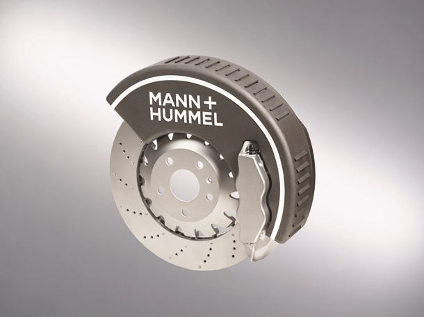 The filter can be adapted to existing installation space in the area of the brake disc.