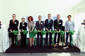 Cutting the ribbon at the opening of Mann+Hummel's new APAC HQ for Intelligent Air Solutions in Singapore.